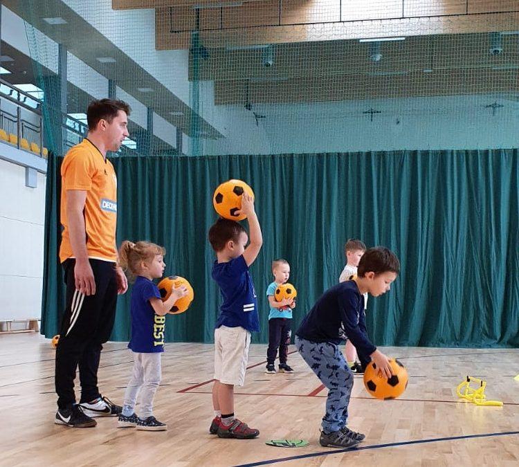 Jak ważna jest aktywność fizyczna w życiu małego człowieka?